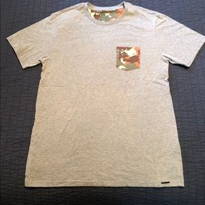 On the byas T-shirt with camo pocket
